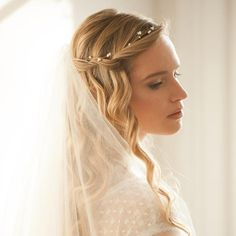 Freshwater pearl flexible wedding hair vine on gold plated wire- 'Ivy'