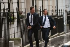 London Has Fallen comes to Blu-ray, a chance to see Gerard Butler take on the bad guys again to save the President of the USA. Afdah Movies, Movies 2019, Indie Movies, Comedy Movies, Latest Hollywood Action Movies, Latest Movies, London Has Fallen Movie, Gerard Butler Movies, Trailer Film
