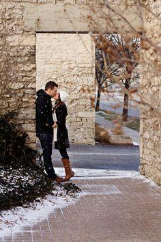 Winter engagement - Martina Wendland Photography – Kitchener-Waterloo, Cambridge, Stratford Ontario Family & Wedding Photographer » Lifestyle family & wedding photography