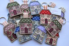 I& been busy this week making key rings decorated with freehand machine embroidery. They will be going to the shops I stock. Freehand Machine Embroidery, Free Motion Embroidery, Machine Embroidery Designs, Sewing Hacks, Sewing Crafts, Sewing Projects, Felt Crafts, Crafts To Make, House Keyring