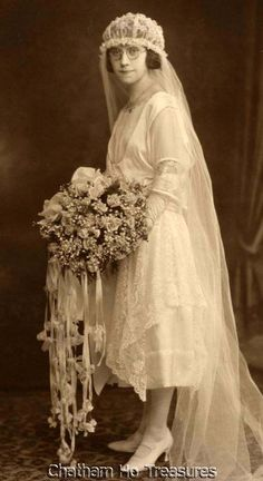 Stunning 1920s Vintage Photo Bride Wore Glasses Loads of Flowers Wedding | eBay
