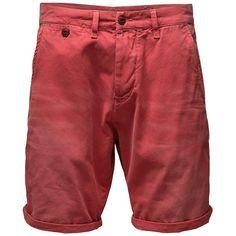 Hippe Shorts in knalligem Rot für einen farbenfrohen Look ab 59,95 € Hier kaufen: http://www.stylefru.it/s123907 #Hose #Maennermode #Shorts