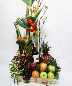 20141210_174543 Hamper Ideas, Fruit Displays, Arte Floral, Flower Arrangements, Florals, Mario, Basket, Decorations, Flooring