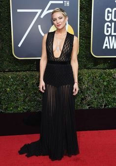 Actress Kate Hudson attended the annual Golden Globes in a Valentino Haute Couture Fall/Winter chiffon dress with honeycomb embroidery by Pierpaolo Piccioli. Kate joined the 'Time's Up Now' movement by wearing black in solidarity. Stunning Dresses, Sexy Dresses, Nice Dresses, Evening Dresses, Amazing Dresses, Golden Globe Award, Golden Globes, Valentino, Elisabeth Moss