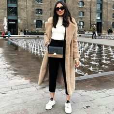 Perfect outfit idea to copy ♥ For more inspiration join our group Amazing Things ♥ You might also like these related products: - Coats & Jackets ->. Winter Fashion Outfits, Fall Winter Outfits, Fashion Week, Look Fashion, Autumn Winter Fashion, Winter Ootd, Fashion Night, Fashion Edgy, Fashion Fall