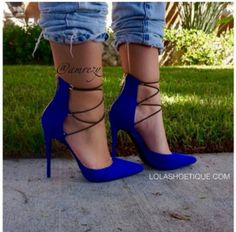 I almost fainted....I love these heels!!