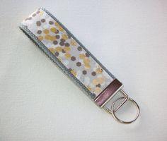 PORTE-clés / porte clef / cadeau bracelet - taches gris métallisés or gris ou noir - pour son collègue d'un ami par Laa766 sur Etsy https://www.etsy.com/fr/listing/226561190/porte-cles-porte-clef-cadeau-bracelet