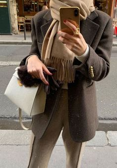 99501e9939e4ca Chic Winter Outfit Ideas You Can Wear To Work - Kate Ida -  chic