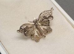 Vintage Broschen - Brosche Schmetterling Silber 835er filigran SB247 - ein Designerstück von Atelier-Regina bei DaWanda