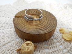 Anillo Nudo De Plata Memento, Place Cards, Place Card Holders, Rings, Engagement, Knots, Jewels, Ring, Jewelry Rings