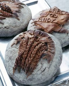 Wedding breads, made as gifts for the bride and groom by Poilane, a favorite Parisian bakery. Artisan Food, Artisan Bread, Painkiller Recipe, Rustic Bread, Wedding Reception Food, Bread And Pastries, Martha Stewart Weddings, Bakery, Breads