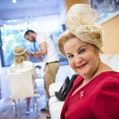 Teresa Agudo Valle, una mujer coqueta, menuda y aguda que se enamoró de nuestro tocado Fifth Avenue.