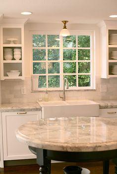 IKEA farmhouse sink - super white granite, subway tile backsplash and little round island Kitchen Redo, Kitchen And Bath, New Kitchen, Kitchen Remodel, Room Kitchen, Kitchen Island, Kitchen Windows, Kitchen Tops, Design Kitchen