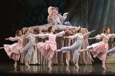mother ginger in george balanchine s the nutcracker at oregon ballet ...