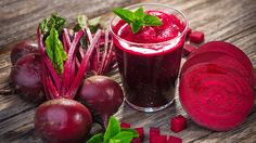 Discovery the 7 secret health benefits of drinking beetroot juice. You will be amazed at how healthy beetroot juice is for the body and mind. Sumo Detox, Red Juice Recipe, Beetroot Powder, Superfood Powder, Detox Juice Recipes, Beet Recipes, Red Beets, Dressing, Vegetables