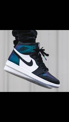 Fun Facts About Shoes And Footwear Nike Air Shoes, Air Jordan Shoes, Sneakers Nike, Adidas Shoes, Zapatillas Nike Jordan, Fresh Shoes, Hype Shoes, Buy Shoes Online, Nike Shoes