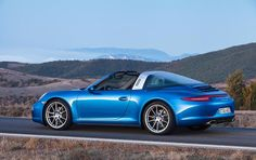 Porsche 911 Targa premiered at North American International Auto Show (NAIAS) in Detroit. The top model is Porsche 911 Targa which delivers 400 hp from a Porsche 911 Targa 4s, New Porsche, Porsche Carrera, Ferdinand Porsche, Supercars, Convertible, Volkswagen, Automobile, Renaissance
