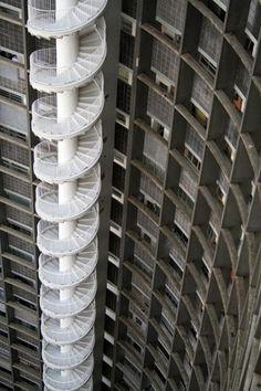 Лестницы. - Хорошо фильтрованный базар на Секонд-Стрит