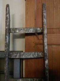 Oude Brocante Ladder met Verfspatten