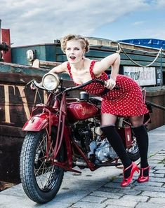 babes with Indians pics | Page 459 | Indian Motorcycle Forum