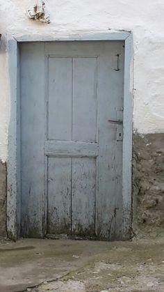 Hala kap?s?? & Aida refugee camp Bethlehem - UN-run school door complete with ... pezcame.com