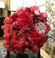 Ragin Cajun deco mesh wreath - Christmas gift for my in-laws.  Can't wait to give this to them!  I'm so proud of this wreath.