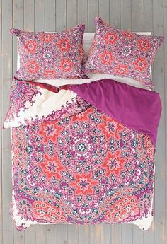 beautiful medallion duvet cover  http://rstyle.me/n/jwcghpdpe