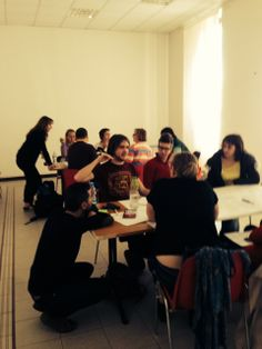 Day 4 of Viaggio in Europa workshop: World Cafè game. The task is to understand which are the key words that emerge from the visitor's experience when he/she is in front of piece of art. We are brainstorming around 3 tables work and exchanging tables to broaden points of views.