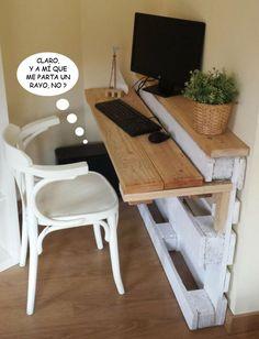 Pallet Furniture Projects bureau-palette - Prenons le temps - Pallet furniture pieces to embellish your home or garden. Pallet Desk, Wooden Pallet Projects, Pallet Crafts, Diy Pallet Furniture, Furniture Projects, Home Projects, Furniture Design, Furniture Plans, Wood Desk