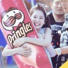 Netizens discover Red Velvet Seulgi's undying love for Pringles Type Of Girlfriend, Red Velvet Photoshoot, Kang Seulgi, Red Velvet Seulgi, Red Queen, Girl Day, Kpop, Irene, Queens