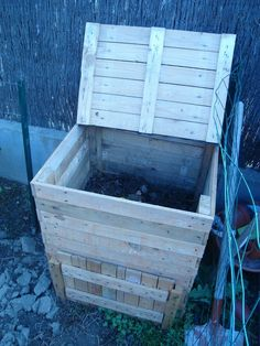 Vegetable Garden Design, Small Gardens, Permaculture, Outdoor Furniture, Outdoor Decor, Wood Pallets, Landscape Design, Woodworking, Backyard