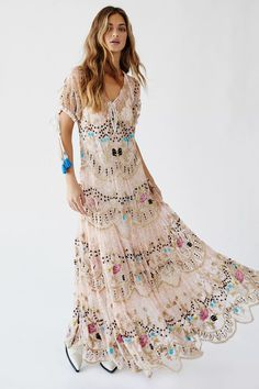 Presented by Free People. Turn heads in this gorgeous maxi dress designed in a short sleeve style with beaded and embroidered detail featuring eyelet lace keyhole design. Boho Fashion Over 40, Over 50 Womens Fashion, Bohemian Fashion, Bohemian Decor, Casual Dresses, Fashion Dresses, Summer Dresses, Beach Maxi Dresses, Party Dresses