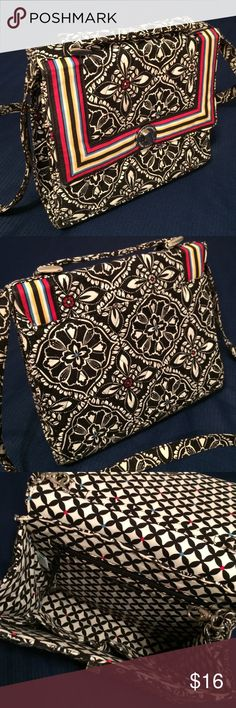 """Vera Bradley Crossbody Bag Great vintage bag in good pre-owned condition!  Crossbody or hand bag!  Inner zipper pocket. About 8""""L x 10""""W x 3""""D. Especially stylish print! Vera Bradley Bags Crossbody Bags"""