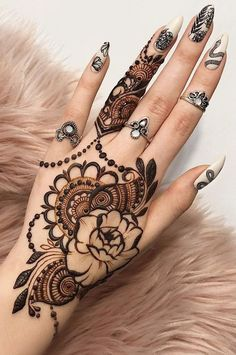 henna designs The art of drawing henna (or Mehendi) is already many hundreds of years, but until recently remained popular only in the east, and especially in India, where women paint th Beautiful Arabic Mehndi Designs, Pretty Henna Designs, Henna Tattoo Designs Simple, Unique Mehndi Designs, Henna Designs Easy, Mehndi Design Images, Latest Mehndi Designs, Mehndi Designs For Girls, Mehandi Designs