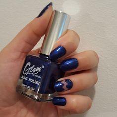 Sininen Glam of Sweden kynsilakka, kynsitaide, design.