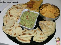 salsa guacamole Tzatziki, Guacamole, Salsa, Avocado, Mexican, Ethnic Recipes, Food, Lawyer, Eten