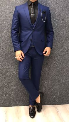 Collection: Spring – Summer 2019 Product: Slim-Fit Wool Suit Color Code: Sax Size: Suit Material: wool, polyester Machine Washable: No Fitting: Slim-fit Package Include: Jacket, Vest, Pants Only Gifts: Shirt, Chain and Neck Tie Indian Men Fashion, Mens Boots Fashion, Mens Fashion Suits, Mens Suits Style, Blazer Outfits Men, Stylish Mens Outfits, Blue Blazer Outfit Men, Gentleman Mode, Blue Suit Men