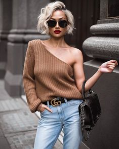 50 Fresh Short Blonde Hair Ideas to Update Your Style in 2019 - Haar Ideen Half Sweater, Micah Gianneli, Summer Shorts Outfits, Short Blonde, Short Platinum Blonde Hair, Pixie Hair, Short Hair Cuts, Short Blond Hairstyles, Blonde Hairstyles