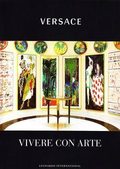 Versace. Vivere con arte  le famose case di Gianni Versace con i bellissimi arredi, le raccolte di quadri e di antichità: la filosofia di vita di Versace  Leonardo International (28 ottobre 2008 2008  168 Pag