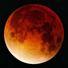Make sure to look up at the sky tonight! #bloodmoon #spacesunday #repost @amnh  Tonight September 27 were due for a triple headerthe Harvest Moon will also be a Super Moon about as big as any Full Moon can ever appear. And the super-sized lunar disk will be totally eclipsed during convenient evening hours for viewers in eastern states and Canada and at times during the night across the Americas Europe Africa and western Asia.  The partial umbral phase when we clearly see a bite gradually…