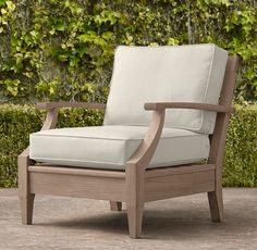 RH's Santa Monica Classic Lounge Chair:Our refined Santa Monica teak collection is classically styled with gracefully tapered legs and curved arms. Our classic size collections are perfectly proportioned for smaller spaces. Wooden Sofa Designs, Wooden Sofa Set, Sofa Set Designs, Wood Sofa, Sofa Furniture, Furniture Plans, Furniture Design, Outdoor Furniture, Modern Furniture