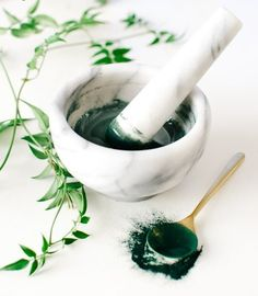 Chlorella Pulver Kaufen Face Scrub Homemade, Homemade Face Masks, Homemade Skin Care, Diy Skin Care, Diy Face Mask, Boho Lifestyle, Diy Cosmetic, Diy Masque, Honey Face Mask