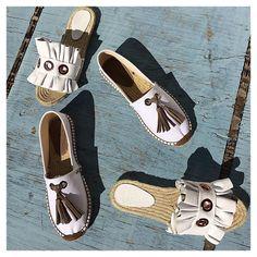 Bee and Emmeline stepping out in the sun. . . . . . #lizzblondon #espadrilles #resortwear #instashoes #ss18 #tasselshoes #slides #ruffles #whiteshoes #shoeaddict #beachlife #summeraccessories #flatshoes #luxuryshoes #classicstyle #madeinspain #shoeoftheday #luxurystyle @unumdesign #unum