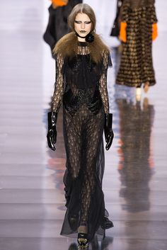 Maison Margiela - Fall 2015 Ready-to-Wear - Look 6 of 30?url=http://www.style.com/slideshows/fashion-shows/fall-2015-ready-to-wear/maison-martin-margiela/collection/6