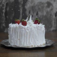 Torta de Merengue Frutilla, hecha por Esperanza Dittborn