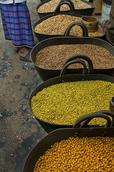 travel | middle east  central asia - market legumes - seiyun, yemen