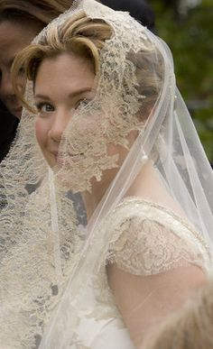 Justin Trudeau's bride Sophie Gregoire arrives at Sainte-Madeleine D'Outremont Church, Montreal, for their wedding ceremony here, May Wedding Veils, Wedding Day, Wedding Dresses, Wedding Shot, Wedding Ceremony, Justin Trudeau, Kate Middleton, Jessica Mulroney, Sophie Gregoire Trudeau