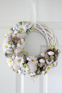 Egg and Daisy Spring wreath