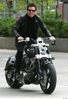 Cruise made the news when it was announced he would get the first Ducati Desmosedici in the States, paying a reported $72,500 for the pleasure. He has been spotted on a wide variety of motorcycles.