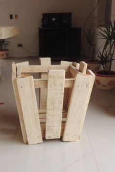 Decoy construcción furniture with recycled pallets7